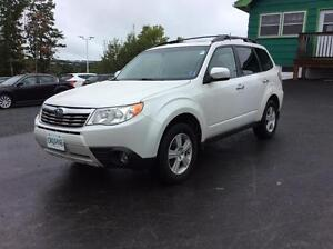 2011 Subaru Forester TOURING PACKAGE WITH SUNROOF AND AWD