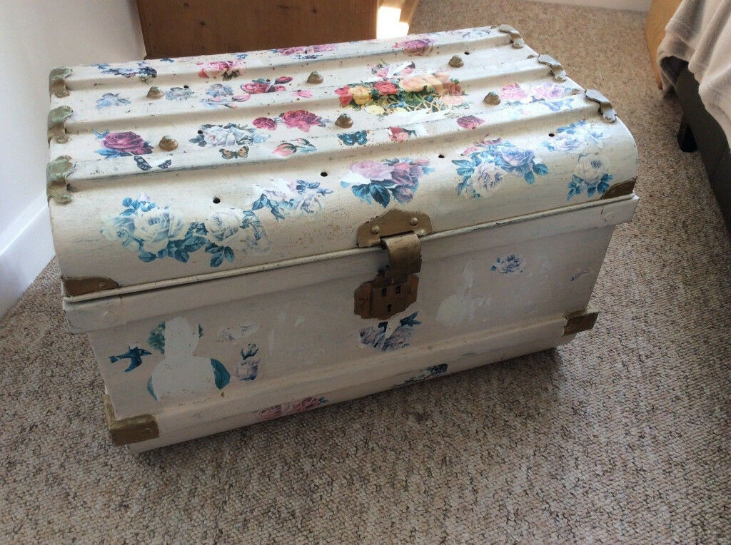 Small Vintage Metal Chest, Trunk, Travelling Box