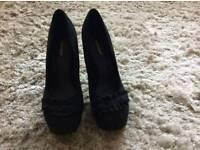 Ladies size 7 heels