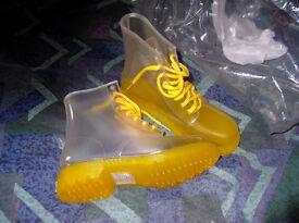 yellow jelly boots (brand new)