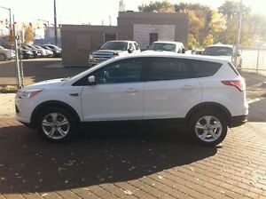 2013 Ford Escape SE CLEAN 100% APPROVED Edmonton Edmonton Area image 4