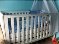THE BABY ELEGANCE TRAVIS COT BED
