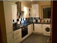 Very big and spacious 2/3 bed flat Ideal for Families or Sharers