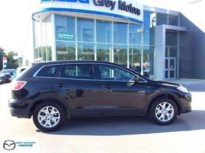 2011 Mazda CX-9 GS, Heated Leather, Sunroof, 7 Passenger!!