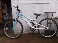 Good condition bike, 3/4 years old, age 8/9+ girls