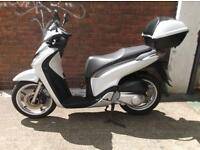 HONDA SH125C, 2011 BIKE WITH ONLY 2500 MILES