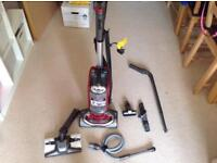 Shark vacuum lift-away almost new with box