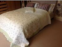 Waltons of Yorkshire Country Shabby Chic Floral Quilt & Matching Cushion Laura Ashley Style