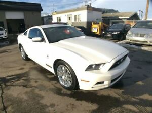 2013 Ford Mustang / 3.7 / LEATHER / HEATED SEATS