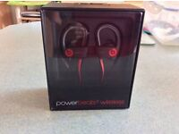 Powerbeats 2 headphones beats in ear new