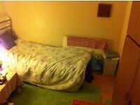 Double room spacious near east Croydon station