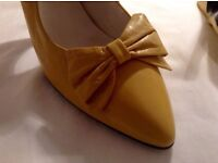 Yellow Dolcis ladies shoes size 7 £20 (New without box)
