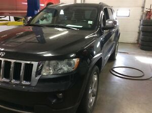 2011 Jeep Grand Cherokee Limited- Leather, Heated Seats, Remote