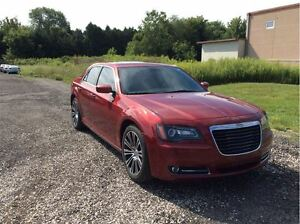 2012 Chrysler 300 S V6 - Managers Special London Ontario image 5