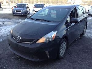 2012 Toyota Prius v HATCH A/C MAGS