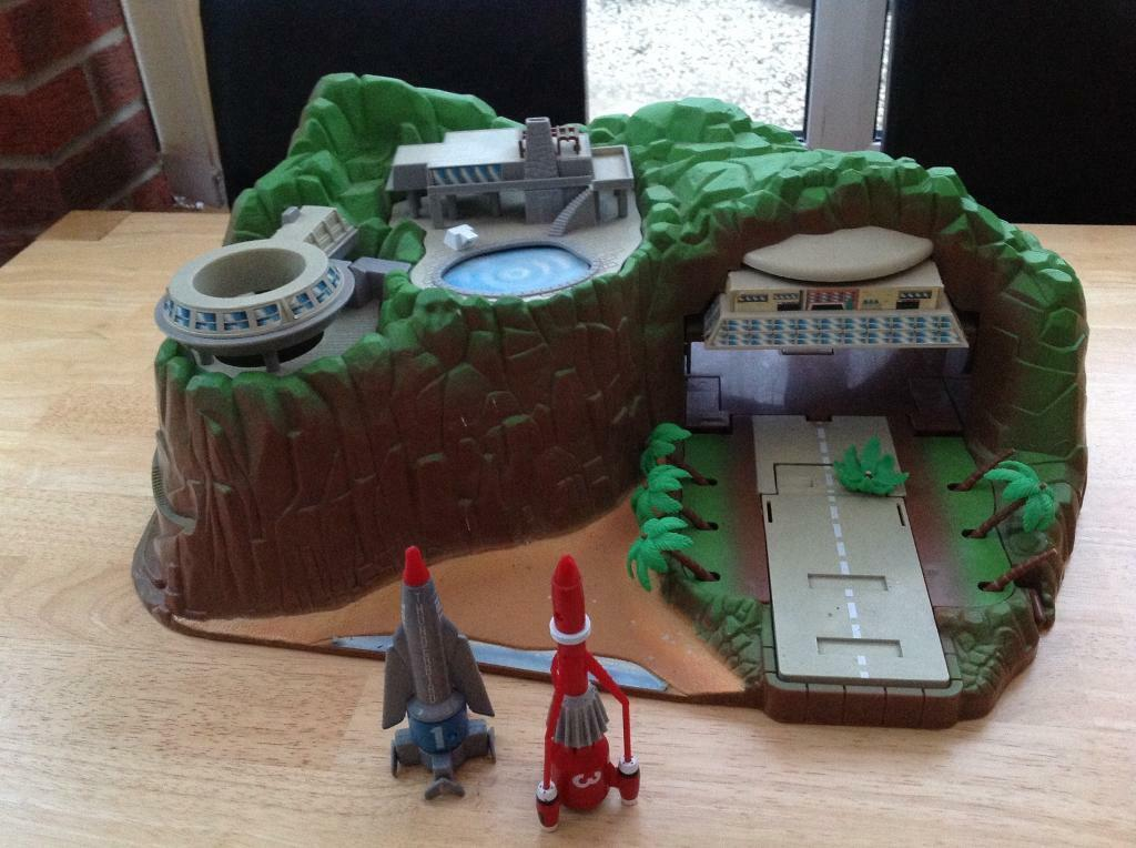 Thunderbirds Tracey island interactive 40th anniversary toy