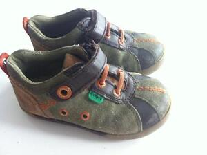 Child's leather kickers shoes size EU 24 / 8 US