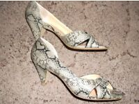Ladies Snake skin design shoes size 5