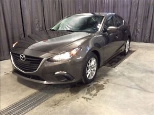 2014 Mazda MAZDA3 GS *Heated Seats* *Bluetooth* *Back-up Camera*