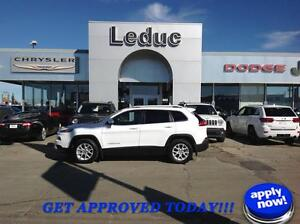 2014 Jeep Cherokee North with Very Low KM!!