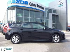 2013 Mazda MAZDA3 GS-SKY, P. 6 Speed, Sunroof, Heated Seats, Blu