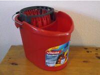 Mop Bucket With Power Rinse Band Vileda