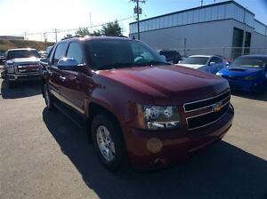 2007 Chevrolet Avalanche LS / 5.3 / 4X4 / LOW KMS. / VERY CLEAN