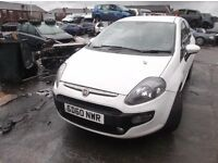 2010 60 REG 1.4 FIAT GRAND PUNTO EVO 3 DOOR IN WHITE £895 PLEASE READ THE ADD CAREFULLY PX WELCOME