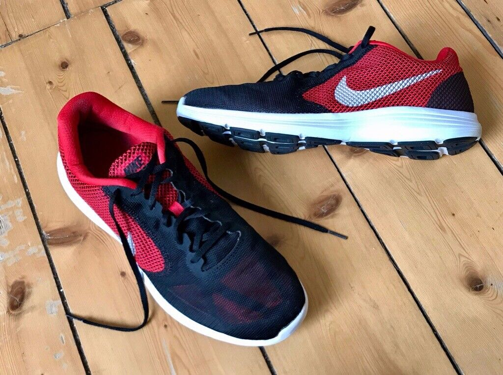 64009e9f23d14 Men s NIKE Revolution 3 Trainer Size UK11.5 Very clean used condition.