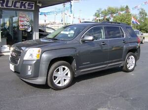 2011 GMC Terrain SLE-2 BEAUTIFUL PACKAGE AWD !!
