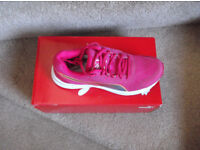 Ladies Size 5 Puma desecdent V3 Shoes