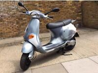 Vespa et4 custom low miles piaggio.