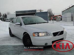 2006 Volvo S60 2.5T ** CUIR / TOIT OUVRANT **