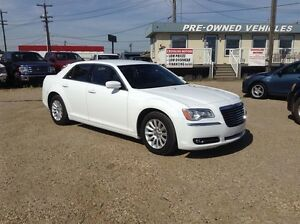 2014 Chrysler 300 Touring | Heated Leather | SiriusXM |