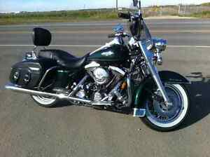"Like New Road King Classic ""WOW"" Got to see and hear this beauty"