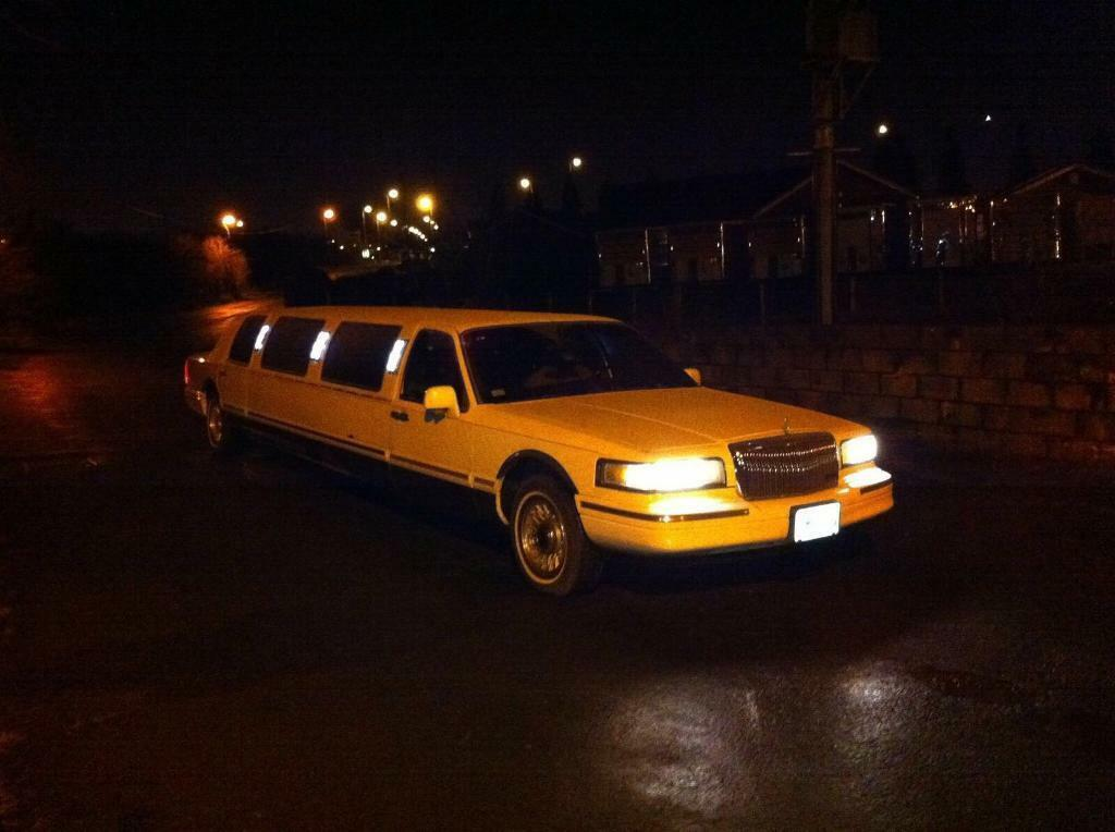 1996 Ford Lincoln Limo