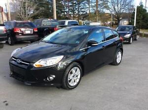 2012 Ford Focus SEL HATCH WITH PWR WINDOWS AND AIR CONDITION