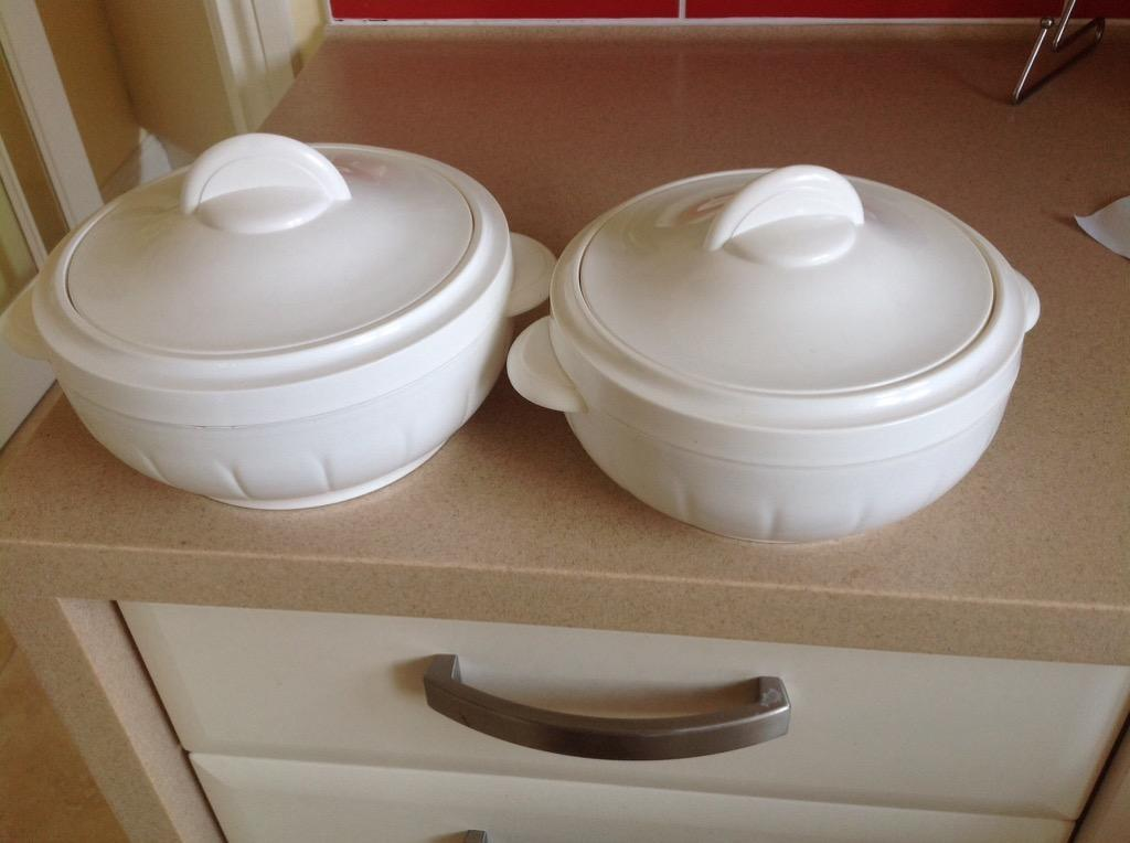 2 Lockable Insulated Serving Dishes In Sudbury Suffolk
