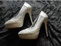 Lovely sparkly shoes size 5 uk