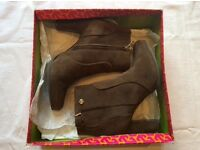 Tory Burch Brown Suede Ankle Boots UK 39/40