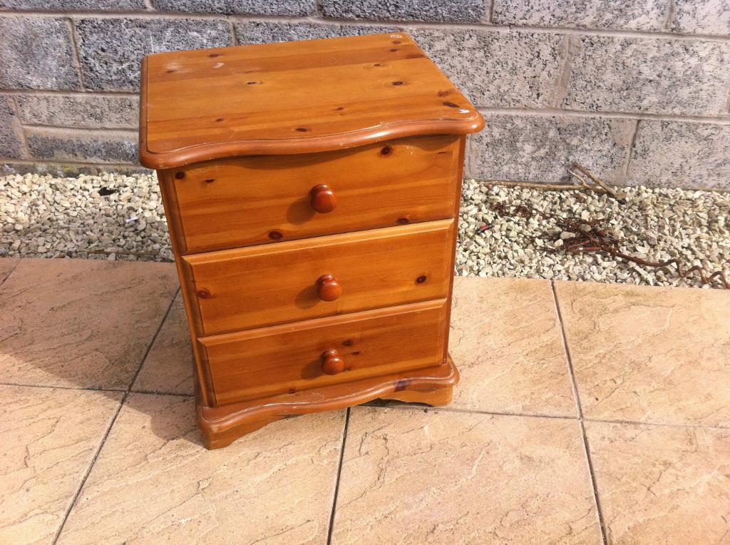 pine bedside cabinet in Lochgelly Fife Gumtree : 86 from www.gumtree.com size 1024 x 764 jpeg 157kB