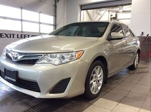 2014 Toyota Camry LE - Navigation - Low km - Remote Start!
