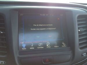 2015 Chrysler 200 S V6 MAGS TOIT PANO CUIR West Island Greater Montréal image 7