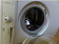 Faulty for spare parts Zanussi washing machine ZWG1121P