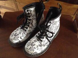 Original Doc Martens boots children's size 11