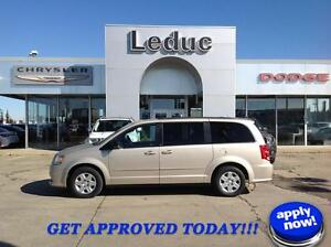 2013 Dodge Grand Caravan SXT with Second Row Sto n Go. Great Fam