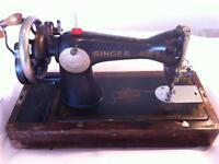 Singer Sewing Machine. Vintage cast iron working sewing machine, original case. Antique