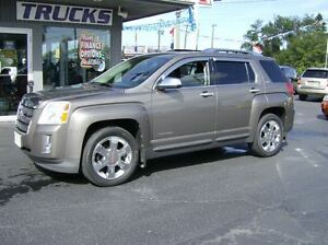 2010 GMC Terrain SLT PACKAGE !!! REAL SHARP !!