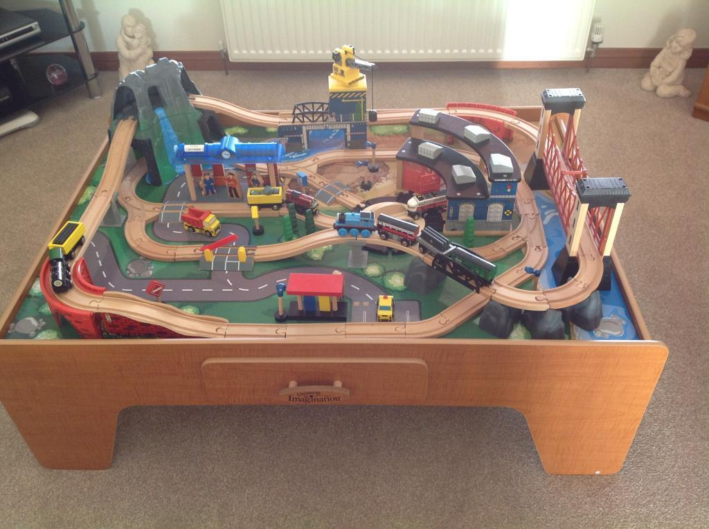 Train table with accessories