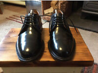 Mens Loake Shoes Size 8 classic design in perfect condition